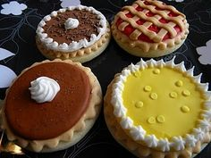 These would be cute for holiday dinners! Pumpkin, Pecan, Lemon Meringue, and Cherry Pie Iced Decorated Sugar Cookies Fancy Cookies, Cut Out Cookies, Iced Cookies, No Bake Cookies, Yummy Cookies, Cupcake Cookies, Sugar Cookies, Thanksgiving Cookies, Thanksgiving 2013