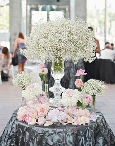 #Centerpiece #Flowers #WeddingDecor