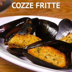 COZZE FRITTE: a rich and delicious antipasto typical of Puglia. Try it and you will conquer all! Shellfish Recipes, Seafood Recipes, Indian Food Recipes, Italian Recipes, Vegetarian Recipes, Cooking Recipes, Healthy Recipes, Seafood Appetizers, Mussels