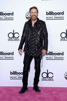 The 2017 Billboard Music Awards red carpet is heating up in Las Vegas. See your favorite celebrities—and what they wore—on music's biggest night. Edm, Billboard Music Awards 2017, French Dj, Aly And Fila, Alesso, David Guetta, Elegant Outfit, Celebs, Celebrities