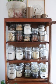 Making your pantry navigator friendly with a bunch of jars and an old label maker