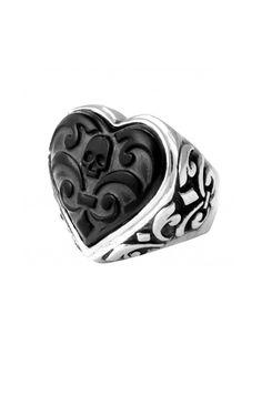 heart shaped skull ring <3