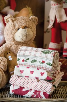 Lovely kitchen towels by Clayre & Eef, available on Almara-shop. Christmas Feeling, Christmas Bird, Merry Christmas To You, Christmas Gingerbread, Christmas Morning, Little Christmas, Country Christmas, All Things Christmas, Christmas Shopping
