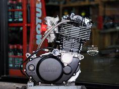 Yamaha Sr400, Yamaha Motorcycles, Custom Motorcycles, Custom Bikes, Cars And Motorcycles, Bad Boy Style, Engineering Works, Mx Bikes, Motorcycle Engine