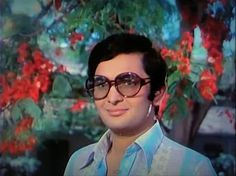 Rishi Kapoor designed his own  costumes for Bobby