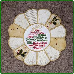 CHRISTMAS PLACEMAT 2 - IN THE HOOP - Free Instant Machine Embroidery Designs