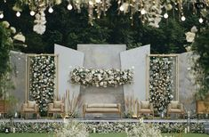 17 Modern Wedding Stage Design and Decor Inspirations You'll . Best Picture For wedding decorations hall For Your Taste You are looking for something, and it is going to tell you exactly what you ar Wedding Backdrop Design, Wedding Stage Design, Wedding Reception Backdrop, Wedding Ceremony Backdrop, Reception Stage Decor, Wedding Mandap, Wedding Venues, Rustic Wedding Backdrops, Wedding Ideas