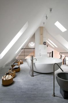 artist and designer carouschka streijfferts  bathroom| marie claire maison, photo: ingalill cut
