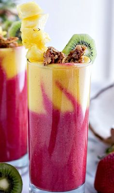 Tropical Fruit Breakfast Smoothie Looking for some Healthy, Exciting and Delicious Breakfast? Check out our 11 favorite of Refreshing and Satisfying Smoothie Recipes! Juice Smoothie, Smoothie Drinks, Healthy Smoothies, Healthy Drinks, Healthy Snacks, Healthy Recipes, Raspberry Smoothie, Smoothie Bowl, Frozen Fruit Smoothie