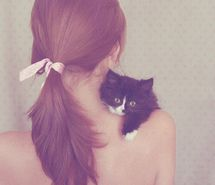 Inspiring picture beautiful, cat, cute, girl. Resolution: 400x600 px. Find the picture to your taste!