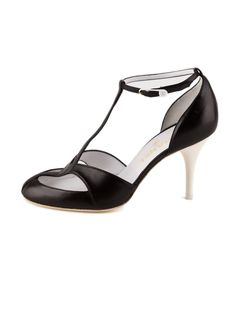 Chanel Leather Pumps. #chanel #pumps #heels