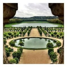 The stunning #gardens of #Versailles create calming patterns with their near-perfect symmetry.    Photo courtesy of carinaokula on Instagram