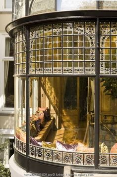 Haus Delightful conservatory and sunroom. Beautiful Architecture, Interior Architecture, Garden Architecture, Victorian Architecture, Futuristic Architecture, Sustainable Architecture, Residential Architecture, Exterior Design, Interior And Exterior