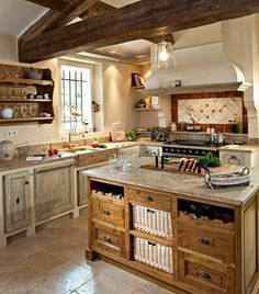 English Country-Style Kitchen Old England - Built-in Country Kitchen ...