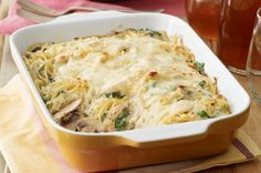 Chicken Tetrazzini Florentine. A complicated name for an easy way to get a hot, bubbly, cheesy pasta bake with savory chicken and veggies on the table.