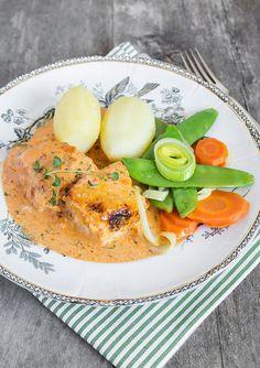 Röd fisk med potatis