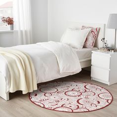 VINTER 2019 Tappeto, tessitura piatta - bianco/rosso - IKEA Ikea Rug, Round Rugs, Keep It Cleaner, Comforters, Blanket, Furniture, Home Decor, Ikea Ideas, Products