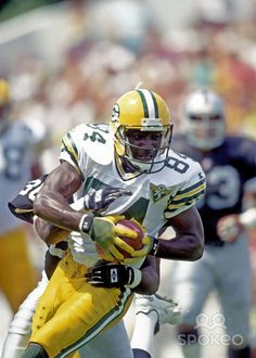 Sterling Sharpe. Packers Football, Football Season, Football Helmets, Lynn Swann, Sport Hall, Go Pack Go, Tight End, Wide Receiver, Sports Figures