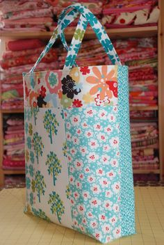 DIY tote bag - 16 x 16 - tutorial very easy *** I made 2 and was easy and looked nice  Moda Bake Shop
