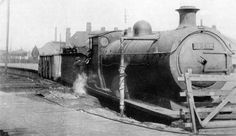 Old Photo - Novel Use For Condemned Engine Steam Railway, British Rail, Office Buildings, Steamers, Steam Locomotive, Boiler, Old Photos, Scotland, Engineering