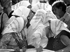 Abuelas de Plaza de Mayo Feminism, Llamas, Image, Deco, Dads, War, Political Art, Argentina, Grandmothers