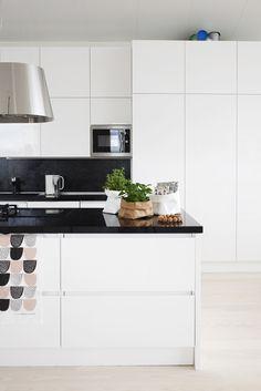 Via Susanna Vento | Black and White | Kitchen