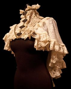 Etsy の Capelet Candela XS-M victorian baroque by SomniaRomantica