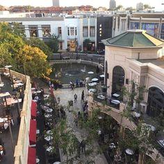 #Rooftop #view @thegrovela ... just before heading to cocktails!   #LosAngeles #shopping #viewpoint #views #visualsoflife #nothingisordinary #nothingisordinary_ #thehappynow #thehappylife #outside #nofilter #nofilterneeded #bestoftheday #instagood #instagreat #travel #travelgram #thisismylife #lovemylife #california #la #losangeleslife #hunterphoenix