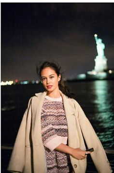 Imagem de new york, statue of liberty, and courtney eaton
