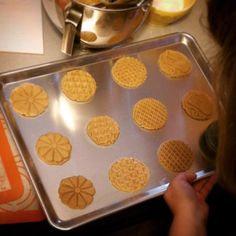 Nordic Ware в Instagram: «Stampin' up a storm with our All-Seasons Heirloom Cookie Stamps tonight. Peanut butter cookies, anyone?? We'll have the scaled ones and you can have the diamond patterned ones. With a glass of cold milk.  #bakestagram #cookies #peanutbutter #lovetobake» Nordic Ware, Peanut Butter Cookies, Diamond Pattern, Sheet Pan, Stampin Up, Stamps, Milk, Seasons, Canning