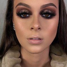 Foto Maquiagem 72 Rock Makeup, Glam Makeup Look, Makeup Pro, Sexy Makeup, Photo Makeup, Pretty Makeup, Makeup Inspo, Makeup Tips, Beauty Makeup