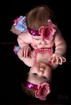 Monthly Baby Photos, Newborn Baby Photos, Baby Poses, Newborn Pictures, Sibling Poses, 6 Month Baby Picture Ideas, Baby Girl Pictures, 3 Month Old Baby Pictures, 6 Month Photos