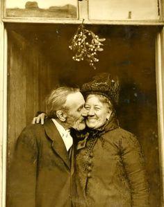 +~+~ Antique Photograph ~+~+  Love this couple under the mistletoe!