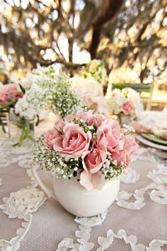 classic pretty floral table setting.