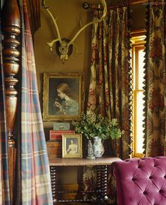 Elegant English country living room ideas for your home. English cottage interior design suggestions and inspiration. English Cottage Style, English Country Decor, English House, French Country Style, English Style, French Cottage, British Country, English English, English Cottages