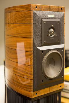 Sonus Faber Guarneri Homage loudspeaker available at Audio Visual Solutions Group 9340 W. Sahara Avenue, Suite 100, Las Vegas, NV 89117. The only McIntosh/Sonus Faber Platinum Dealer in Las Vegas, Nevada. Call for pricing (702) 875-5561