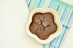 The Fastest Chocolate Mug Cake (Vegan) Chocolate Mug Cakes, Vegan Chocolate, Thing 1, Clean Eating Recipes, Stevia, Vegan Vegetarian, Cocoa, Ice Cream, Dishes
