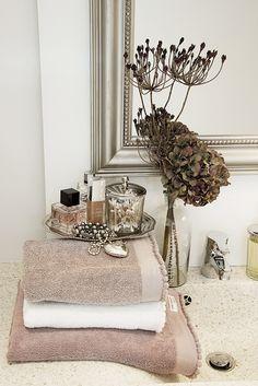 Lene Bjerre – AUTUMN 2013. MOLETTE towels and MINA mirror.