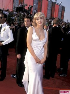 Courtney Love attended the 1997 Oscars in a beautiful white gown by Versace