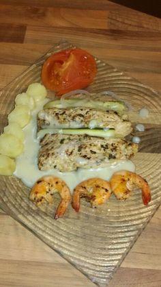 Maquereau crevettes grillées et ses légumes courgettes tomates et pommes de terre vapeur sauce au beurre