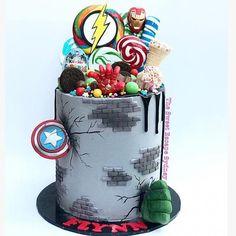 Avengers Birthday Cakes, Superhero Birthday Cake, Novelty Birthday Cakes, Novelty Cakes, 4th Birthday, Easy Cakes For Kids, Cakes For Boys, Cupcakes, Cupcake Cakes