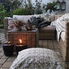 Our outdoor lounge - can you find a tired mr. T ?  #interior #interieur…