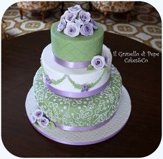 Lilac and Mint Cake Green Cupcakes, Green Cake, Beautiful Cakes, Amazing Cakes, Cake Cookies, Cupcake Cakes, Mint Cake, Wooden Cake Toppers, Wedding Mint Green
