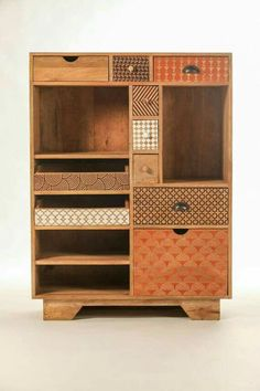 A design convenient and very convenient! Its mutilples spaces and drawers allow you to store at your leisure all types of objects. Upcycled Furniture, Unique Furniture, Furniture Plans, Kids Furniture, Furniture Making, Furniture Makeover, Painted Furniture, Furniture Design, System Furniture