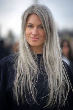 Sarah Harris - Long gray hair is her trademark. by camille Silver White Hair, Natural Hair Styles, Short Hair Styles, Long Gray Hair, Platinum Hair, Great Hair, Synthetic Hair, Hair Dos, Wig Hairstyles