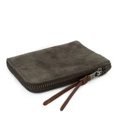 Made from leather, this slim wallet has a seam integrated zip and makes for a very practical, unobtrusive and individualistic everyday use item. My Wallet, Slim Wallet, Zip Around Wallet, Best Canvas, Ipad Sleeve, Heritage Brands, Messenger Bag, Leather, Bags