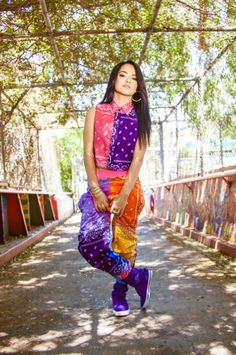 becky g ,outfit of the video Play It Again  #BeckyG