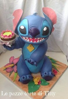 Yep, any alien experiment bringing me a cupcake is A-Ok in my book. (Also digging Stitch's lil' nose wrinkle.)