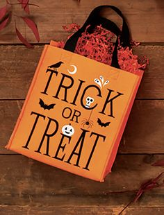 TRICK OR TREAT BAG by Design Design Trick Or Treat Bags, Halloween Design, Design Design, Reusable Tote Bags, Treats, Decor, Sweet Like Candy, Dekoration, Decoration
