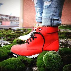 Autumn full of colours #zdapartizanske #shoes #leather #leathershoes #boots #leatherboots #urbanstyle #autumnstyle #musthave #style #bedifferent #colours #red #black #white